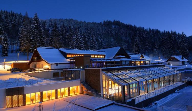 Zažijte zimu v Beskydech s lyžováním, koupáním i saunovými rituály