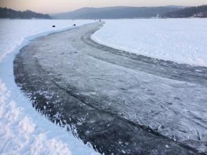 Zamrzlá hladina přehrady, Autor: Ajucha Lutra