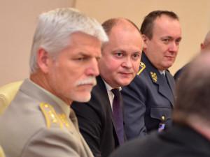 Michal Hašek (uprostřed)