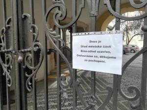Úřad MČ Brno-střed je dnes uzavřen