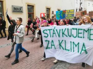 Studenti v Brně stávkovali za klima