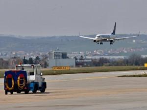 První letadlo na lince Berlín - Brno přistálo na Moravu