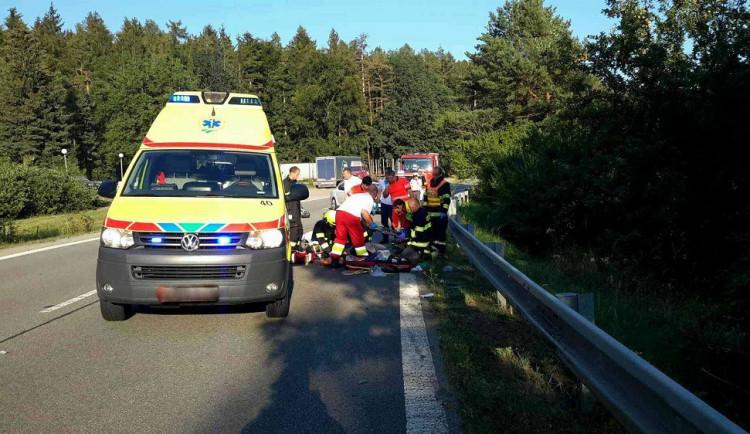 Na Blanensku zemřel motorkář. Nepřežil srážku s osobákem