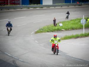 Závod mopedů