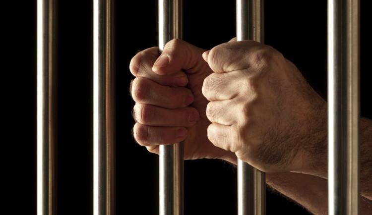 Z vraždy dvou lidí v Břeclavi obvinila policie 29letého muže