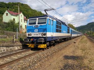 size4-15462677901247-60-vlak-cd-pixa (1)