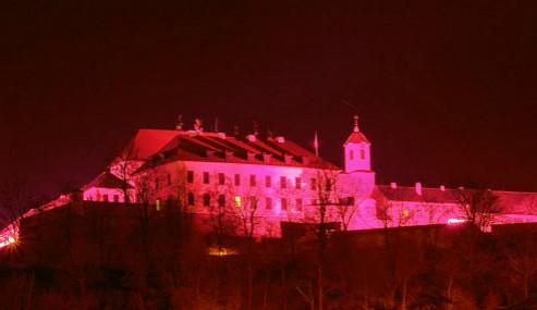 Špilberk bude červený na počest 120 let brněnské techniky