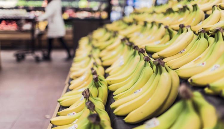 Žena v Brně podváděla při vážení ovoce a zeleniny. Rozdíl byl přes tisíc korun
