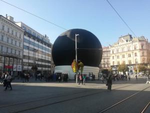 Projekce je na náměstí Svobody zdarma