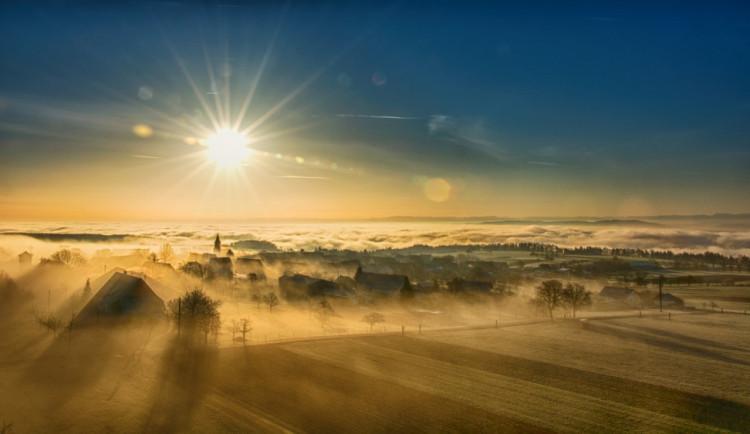 POČASÍ NA ÚTERÝ: Mlhy téměř celý den, místy dokonce mrholení