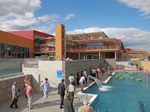 Jihozápadní pohled na vnější bazény