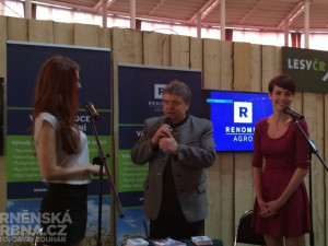 Česká Miss World 2013 Lucie Kovandová a Česká Miss 2013 Gabriela Kratochvílová (zleva) přijely na brněnské výstaviště, foto: Brněnská Drbna, David Zouhar