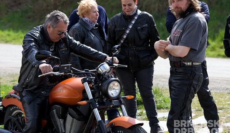 Zájemci se mohli na motocyklech svézt, foto: Brněnská Drbna, Miroslav Toman
