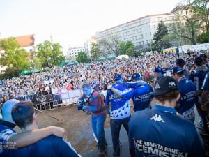 Tisíce fanoušků přivítaly trofej pro druhý tým extraligy, foto: Brněnská Drbna, Miroslav Toman