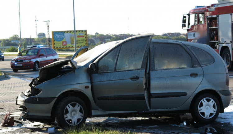 V Líšni zahynul po střetu s osobním autem motorkář, foto: HZS JMK
