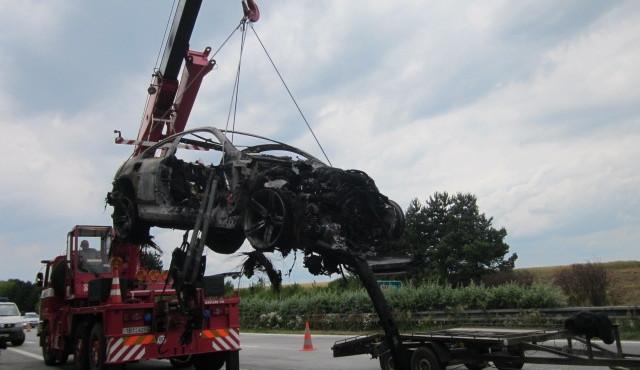 Na D1 u Vyškova shořelo luxusní BMW M6, foto: HZS JMK