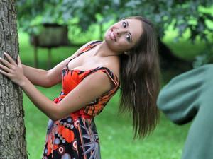 Denisa Somrová v českokrumlovské Zámecké zahradě s Bernhardem Kittelem