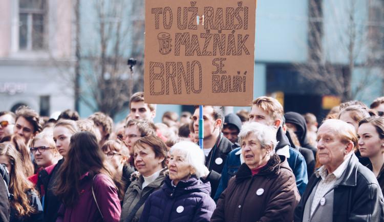 Studentská stávka #VyjdiVen v Brně optikou Vojtěcha Káby