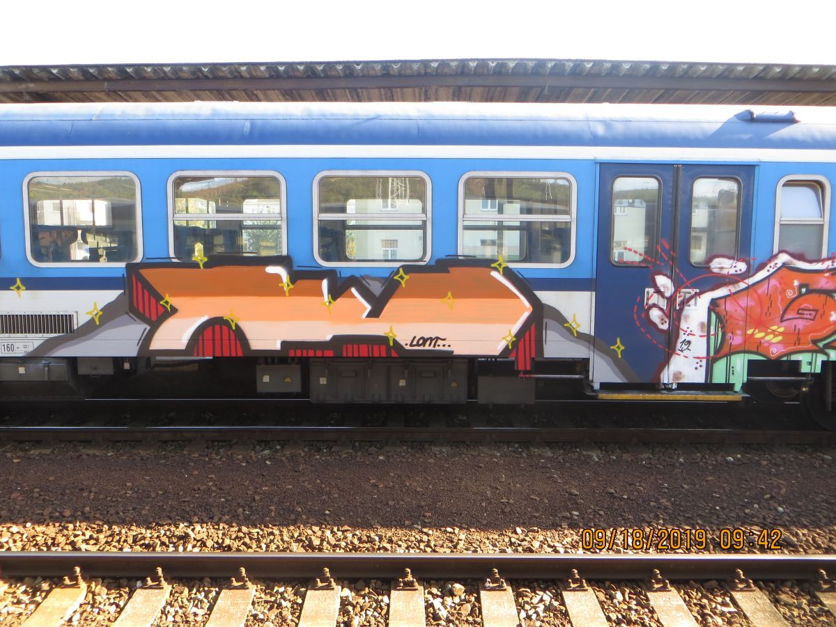 Sprejer řádil na nádraží v Tišnově